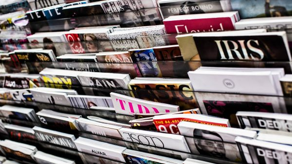 Περιοδικό στην Ιταλία κυκλοφόρησε με λευκό εξώφυλλο (Pic)