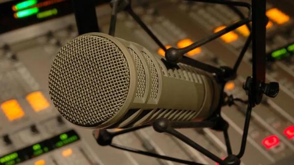 Πέθανε ένας από τους πιο γνωστούς ακροατές των αθλητικών ραδιοφώνων