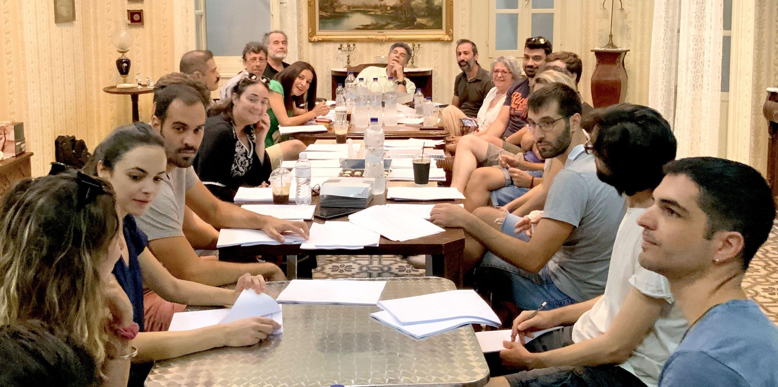 «Παρουσιάστε!»: Οι πρωταγωνιστές και όλες οι λεπτομέρειες της νέας σειράς του Γιάννη Μπέζου στον ΑΝΤ1