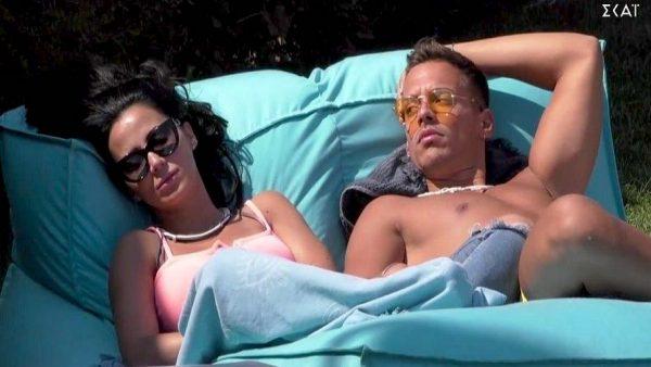 Δεν πρόλαβαν να το κόψουν: Νέο βίvτεο-ντροπή του «Big Brother» με τη Χριστίνα και τον 22χρονο κάτω απ' τα σεvτόνια (Vid)