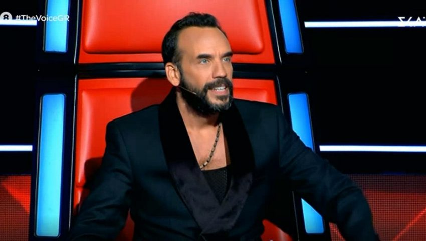 The Voice: Η εντυπωσιακή παίκτρια με τα κόκκινα που γοήτευσε τον Πάνο Μουζουράκη (Vid)