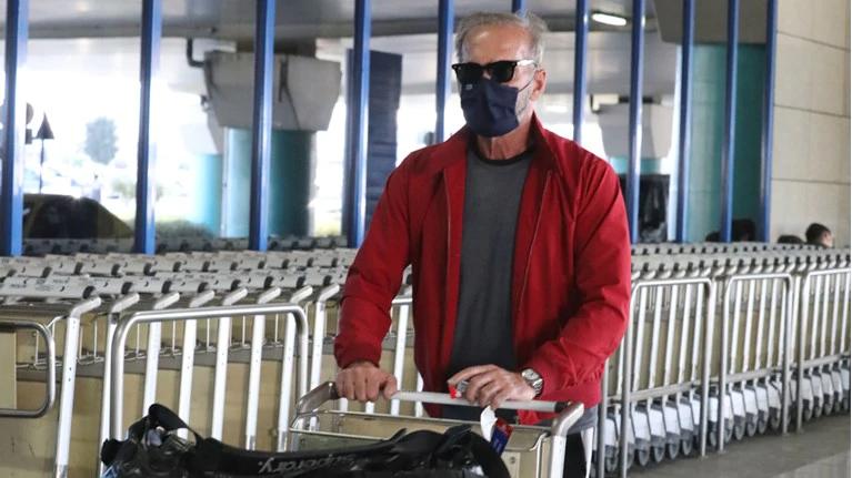 Πέτρος Κωστόπουλος: Άγριο επεισόδιο με συνεπιβάτες του στο Ελ. Βενιζέλος (Vid)