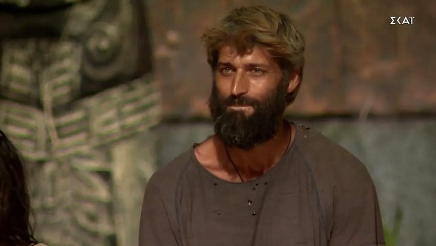 Survivor: Με νέο look επέστρεψε στην Ελλάδα ο Αλέξης Παππάς (Pic)