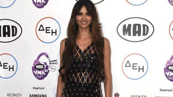 Ηλιάνα Παπαγεωργίου – SNIK: Την αγνόησε επιδεικτικά στη σκηνή των MAD VMA (Vid)