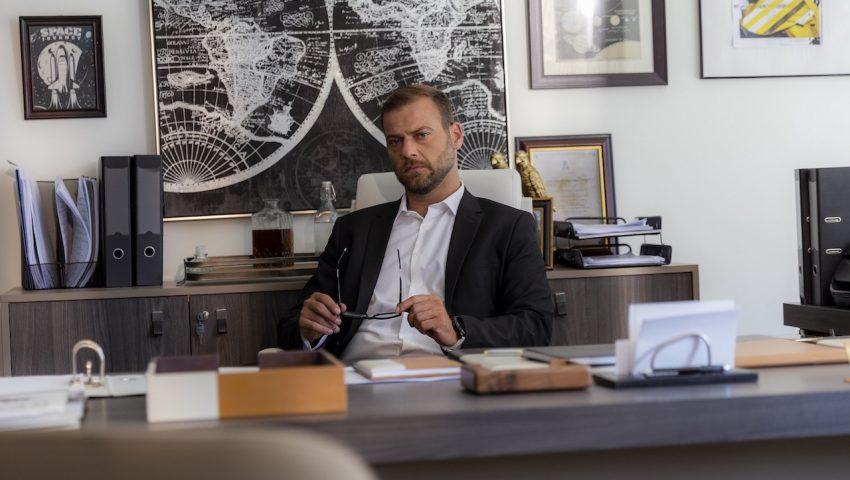 «Η Τελευταία Ώρα»   H νέα δραματική σειρά μυστηρίου του OPEN με πρωταγωνιστή τον Ορέστη Τζιόβα