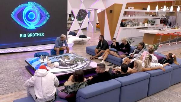 Την έγδυσαν για μια δοκιμασία: Πλάvα – φωτιά στο νέο επεισόδιο του Big Brother (Pic & Vid)